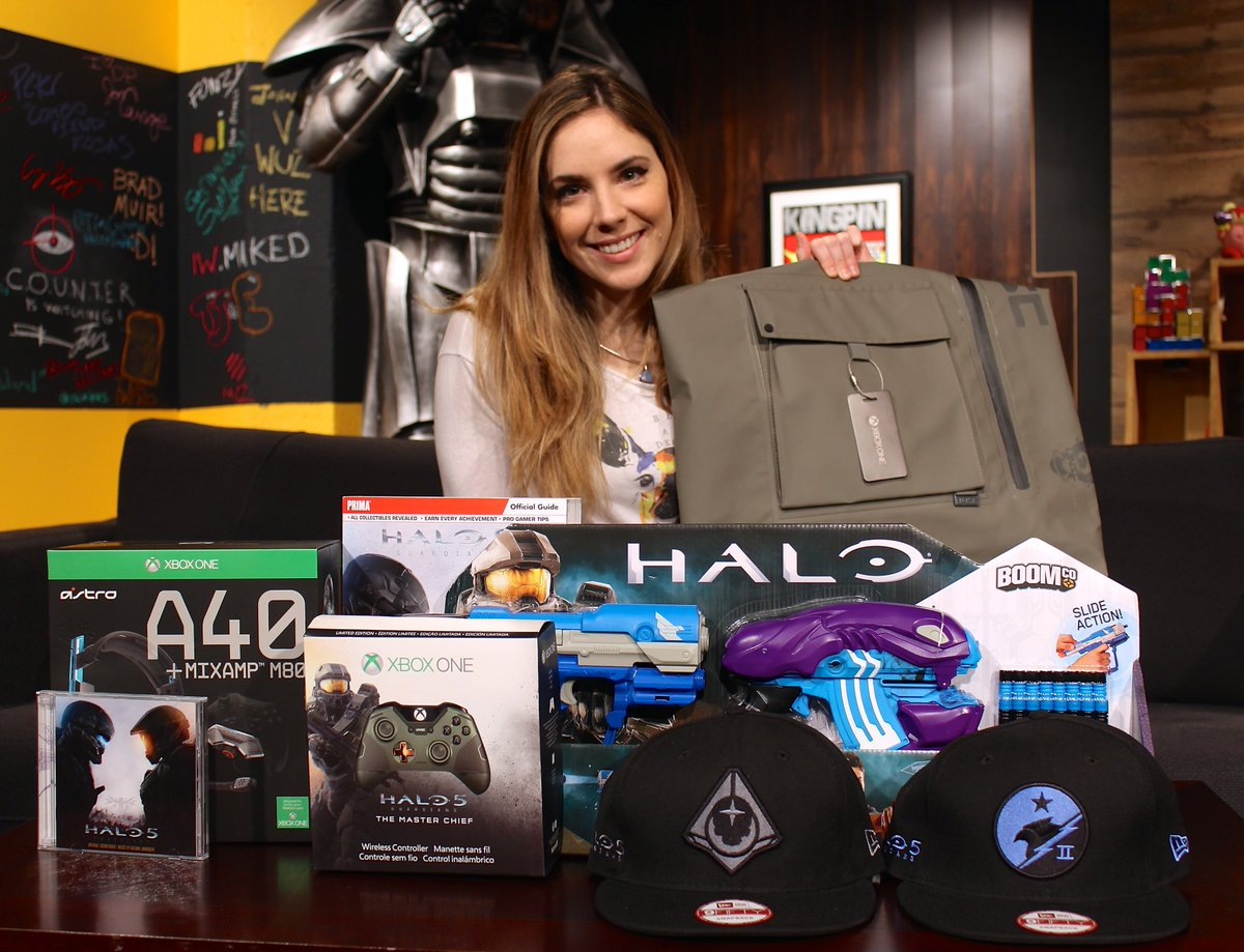 Giveaway! Follow & RT to win a mega Halo 5 prize bag including a limited edition controller! https://t.co/kAafFGJjti https://t.co/hEAiioKFv5