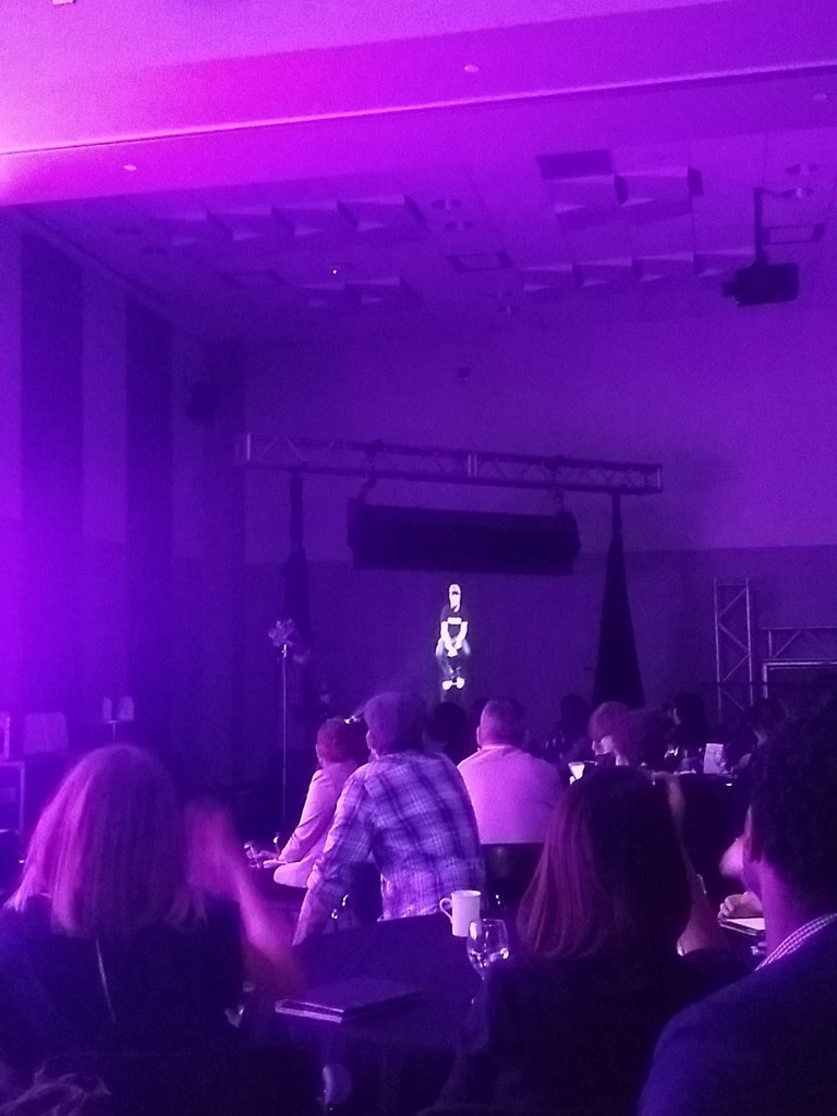Tom Emrich @wearewearables interviewing live stream hologram of J. Lee Williams @occupiedVR. Very cool!#nextmedia15 https://t.co/DBDknDFjlp
