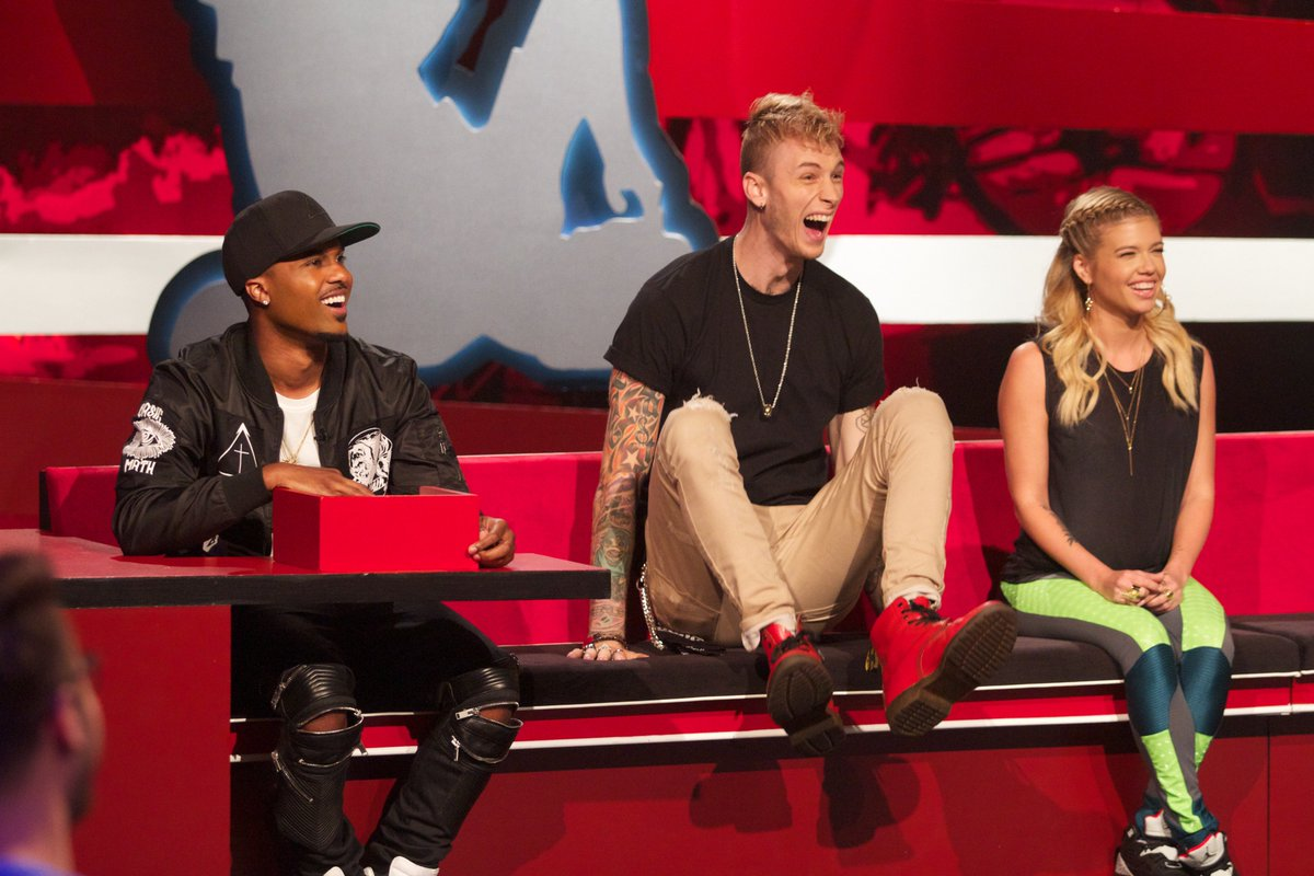 Aaaaahhh!!! Get ready to freak out because @machinegunkelly is on #Ridiculousness this Thursday at 10/9c! https://t.co/sczaWx5T5Q
