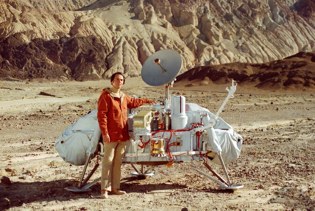 "On Carl Sagan's birthday, we remember his spirit: ""Somewhere, something incredible is waiting to be known."" https://t.co/8zrutMDAqe"
