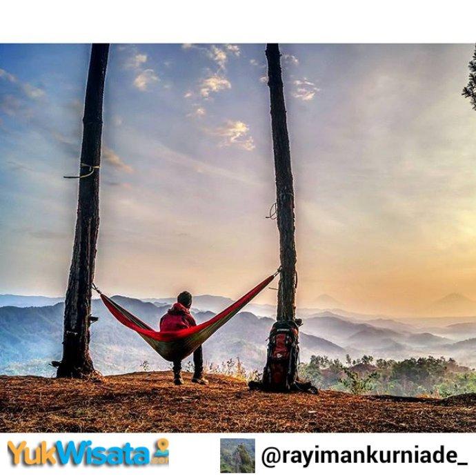"""Repost From INSTAGRAM kami @Yuk_Wisata :   """"Lokasi: Bukit PI ,karangsambung Kebumen"""" https://t.co/zvdrtzPToU"""