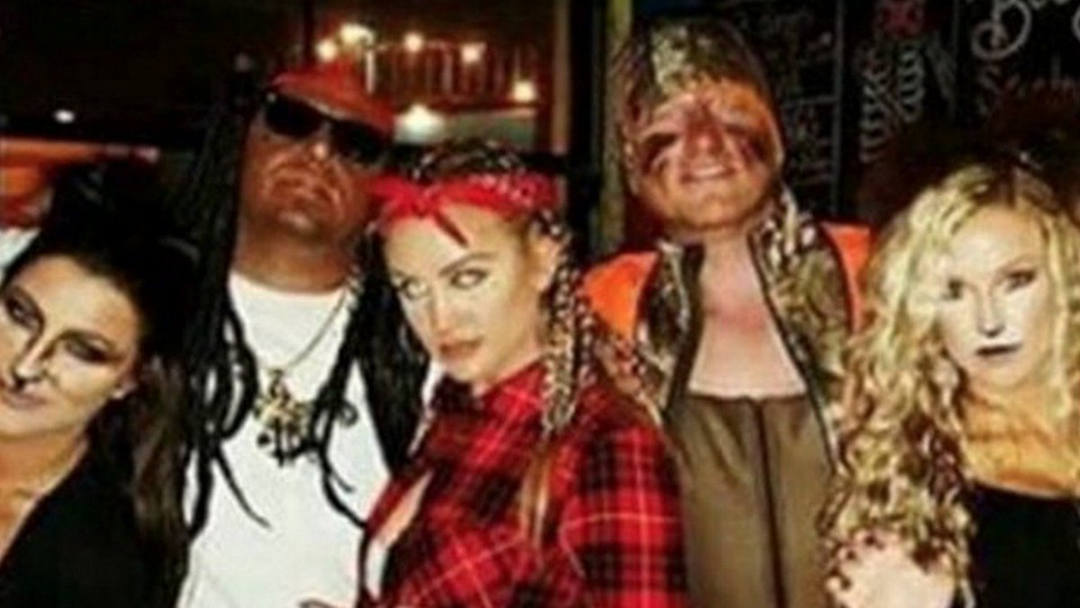 .@Jason_Aldean Dressed in Blackface as Lil Wayne for Halloween, Rep Confirms @LilTunechi