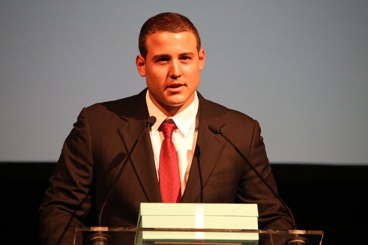.@Cubs slugger @ARizzo44  is the 2015 @MLBPAA Heart & Hustle Award winner! #LFYDinner https://t.co/s0UDfLcdR9