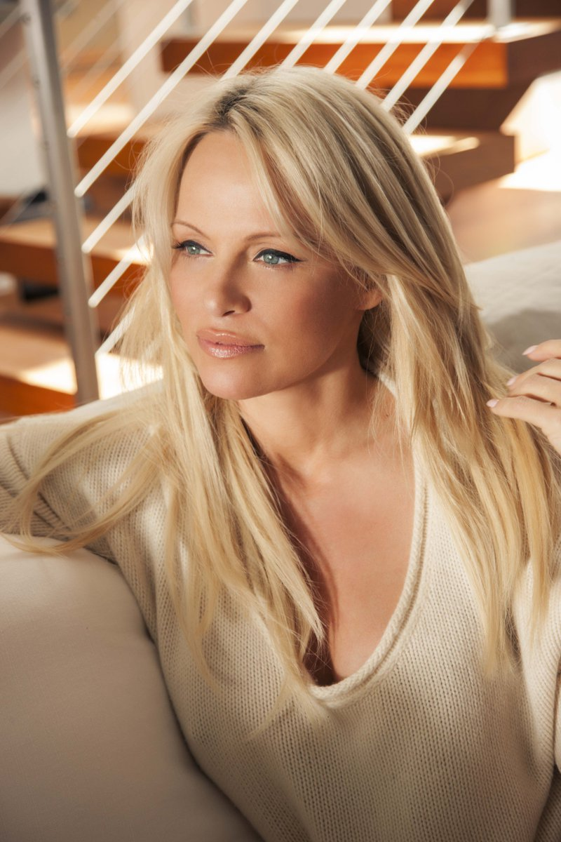RT @coolearth: Pamela Anderson: why I support Cool Earth https://t.co/R5ZYzxu47R (with thanks to @PamFoundation & @EMMAphoto1) https://t.co…