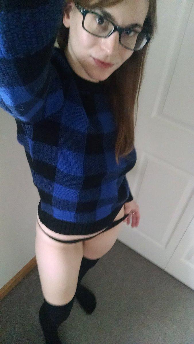 Got a new sweater. Took some pics. xMokjRJ1gF
