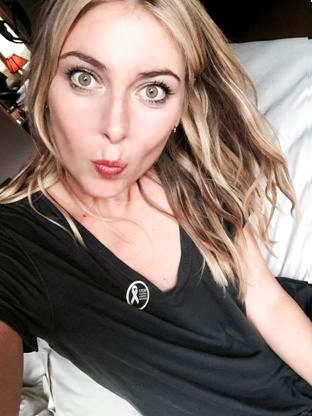 RT @StellaMcCartney: Show your support for the #WhiteRibbon for Women campaign with your badge like @MariaSharapova #BeHerVoice #IDEVAW htt…