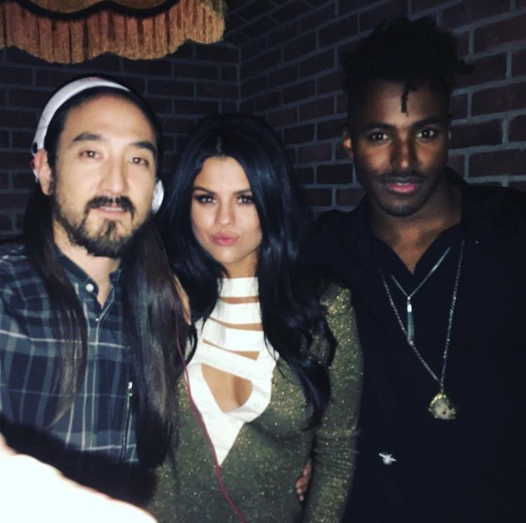 Stealing 1 more pic from @steveaoki Instagram. @selenagomez w/ us in the booth at @AdrianaLima #VSFashionShow party https://t.co/YOLhzKyFso