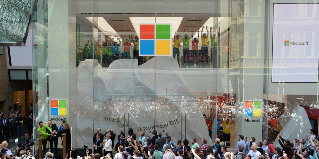 The curtain drops. The ribbon's cut. Our Microsoft Flagship Store is officially open in Sydney! #MicrosoftSYD https://t.co/cgWG942e4P