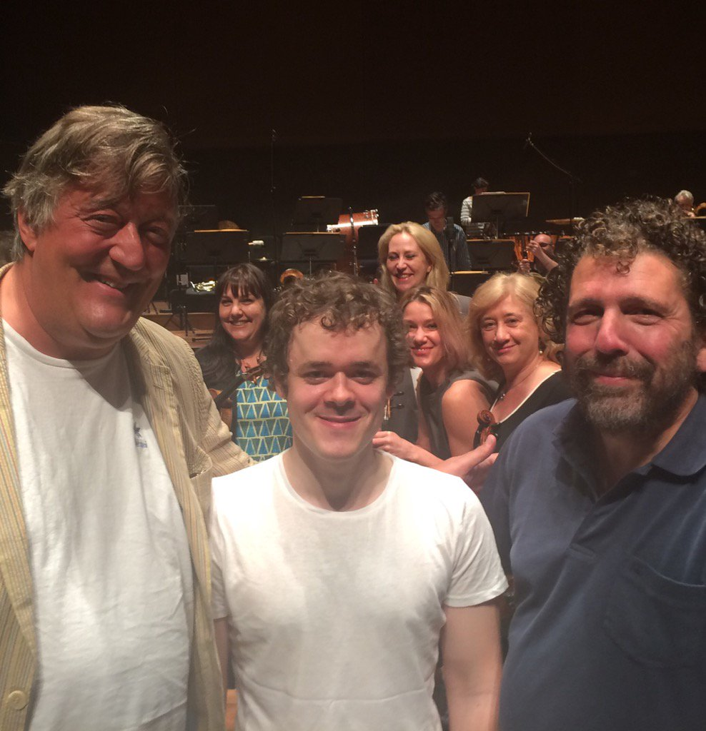 Thank you @stephenfry for coming to our rehearsal with @grosvenorpiano & Asher Fisch. Great to have you! https://t.co/eaCk8pdzUN