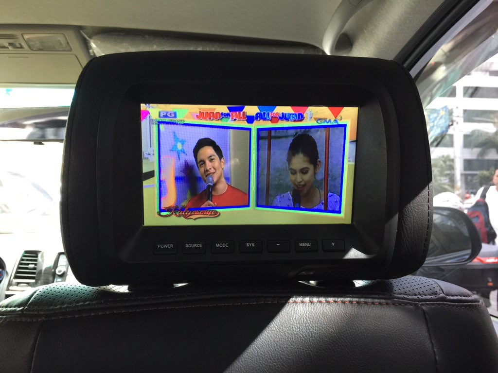 Guess what's showing in my @Uber_Manila ride right now. #ALDUB17thWeeksary https://t.co/DZJLQg9ToV