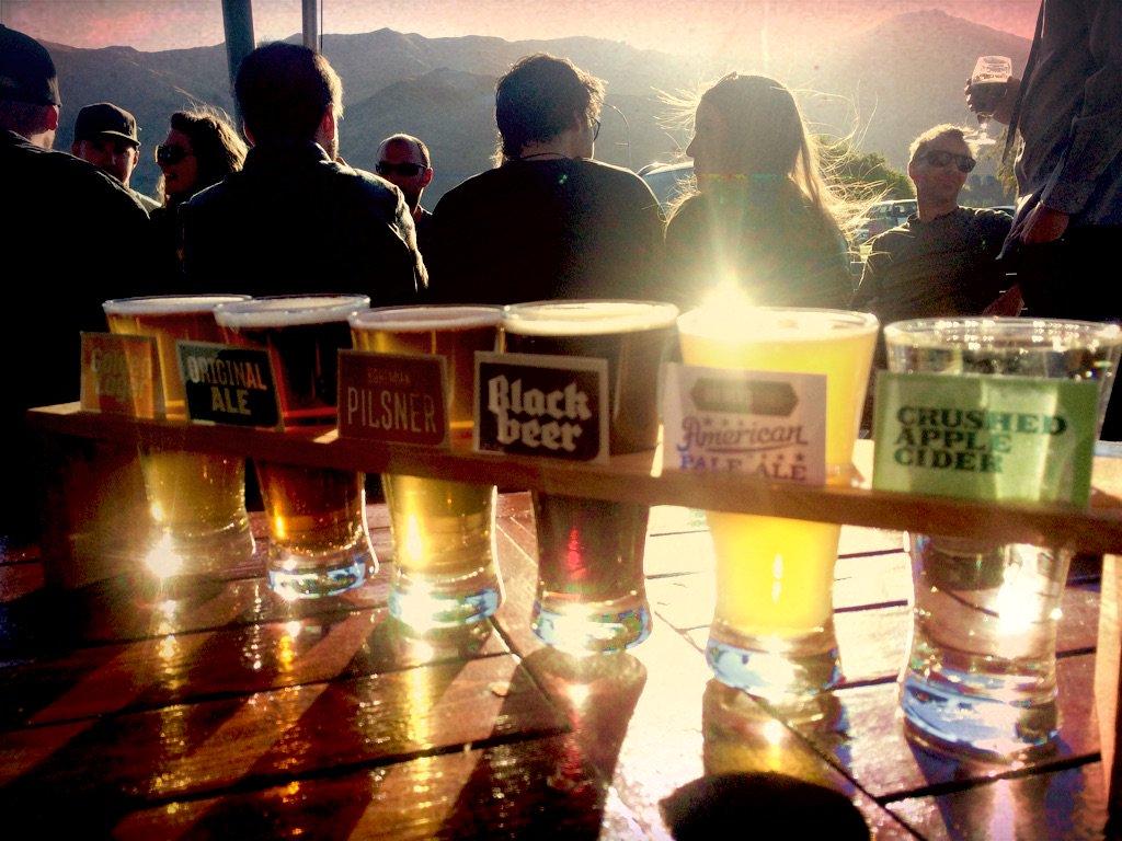 ニュージーランドクラフトビールテイスティング!!めっちゃテンション上がった! #NZ旅を発信せよ #クラフトビール https://t.co/sWcPB7kxoX