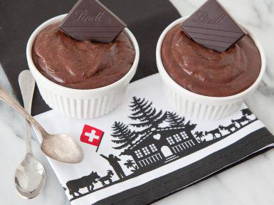 What's for dessert after a fondue party? Swiss Chocolate Mousse, of course!  https://t.co/Xk06YSn1Ug @AboutFood https://t.co/RwqMgzbLYh