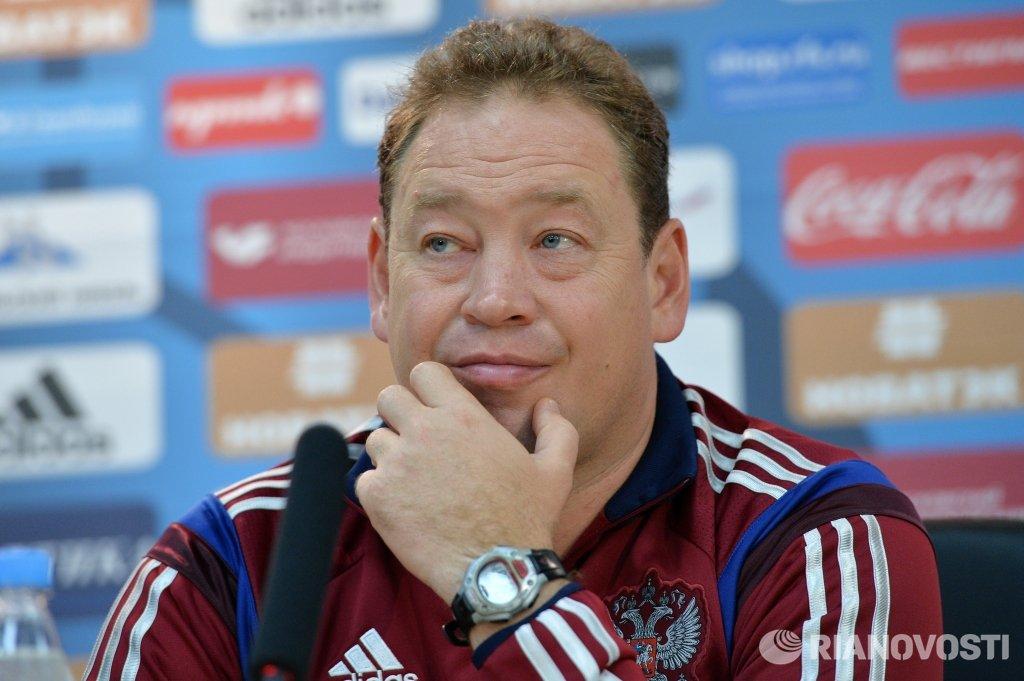 Слуцкий: в будущем сборная России может отталкиваться от 2-го тайма