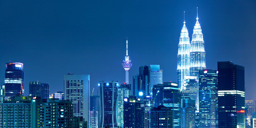 Wanna visit KualaLumpur? Get there with @emirates! Sale ends 11/17. Book now!