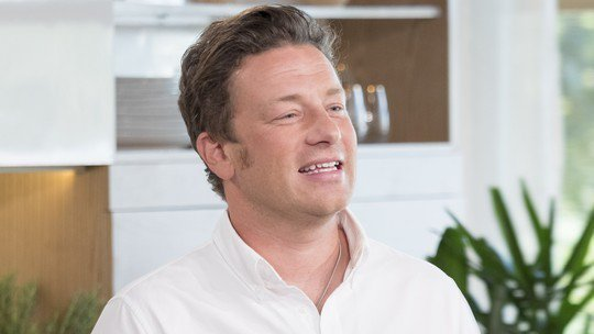 RT @itvthismorning: King of the kitchen @jamieoliver​ is answering your questions - what do you want to know? https://t.co/8OlZ077pSs https…