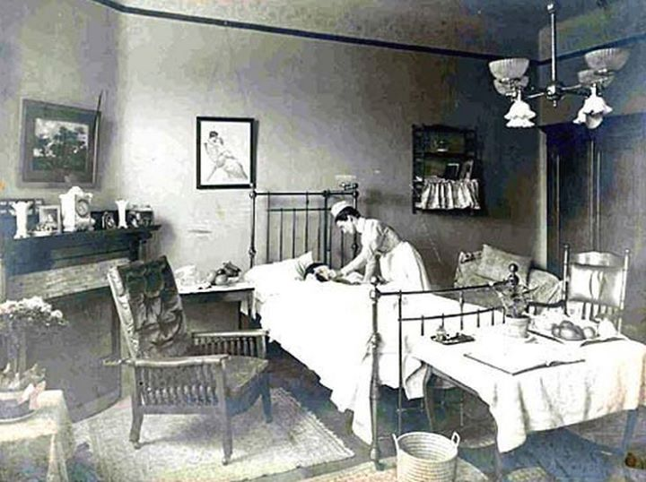 #ThrowbackThursday: Take a Peek at a Hospital Room from the Early 1900s https://t.co/jjb33N3s4r (via @hhnmag) https://t.co/NZmvbsSTwU