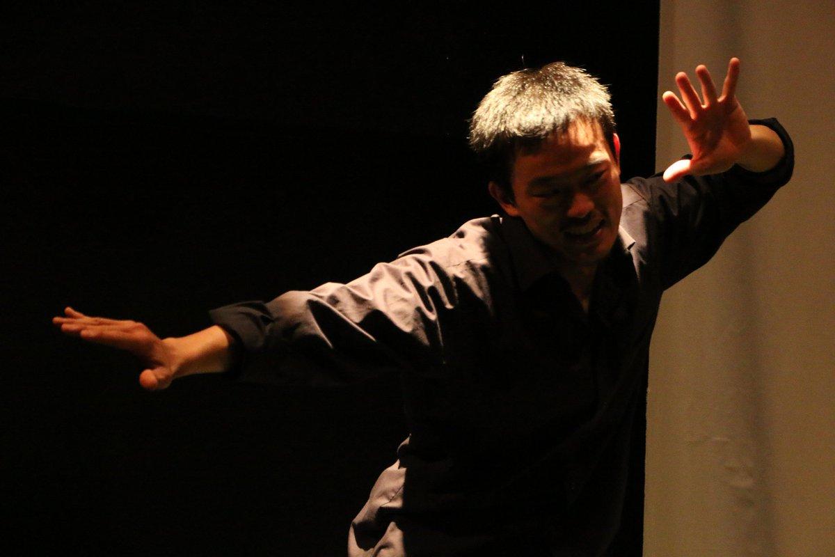 山崎丸光さんは絵になる、決まる、なのに、なのに、面白いww、でも、すごくかっこいい。 劇団ウミダ 第二回公演 ウミダ短編演劇集 11/11〜11/15 千歳船橋APOCシアター@umida2015 @time_21_maru https://t.co/GUa7Phsw3j