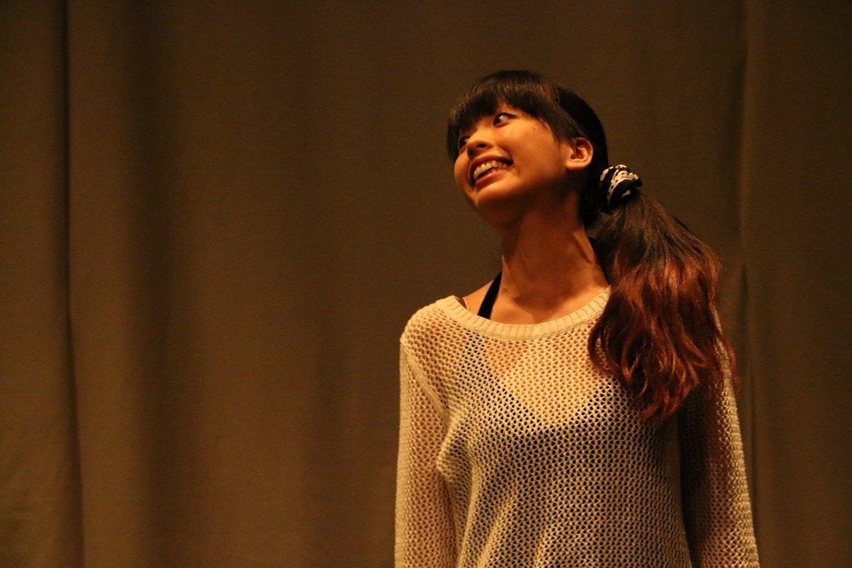 引野早津希さんの振り切れた表情。これだけ感情を出すことができたら、どれほど気持ち良いんだろう。 劇団ウミダ 第二回公演 ウミダ短編演劇集 11/11〜11/15 千歳船橋APOCシアター@umida2015 @satsu56 https://t.co/vJkAKtgZVE