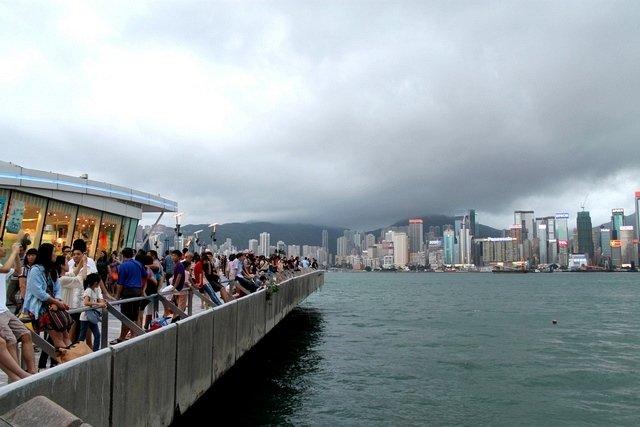 Terbang ke Hongkong yuk! Pesan liburan mulai sejutaan di