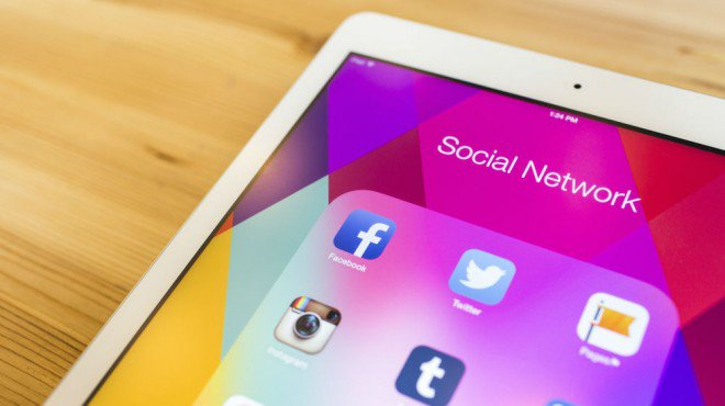 #SocialMedia Usage Nearly 10 Times Higher Than a Decade Ago via @smallbiztrends https://t.co/6IGhQp4ui2 https://t.co/WUKUYVKgYj