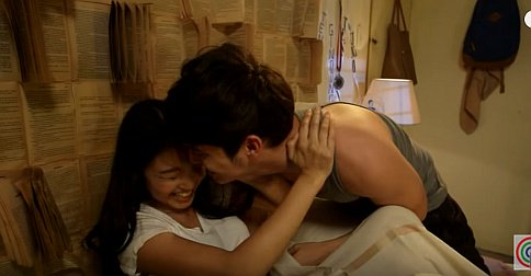 OTWOListas, this new gag reel is the cutest thing you'll watch today #OTWOLLucky https://t.co/IUgD6dXiCU https://t.co/2jCJQE5GHV