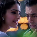 RT @BollyArena: #PremRatanDhanPayo is running to packed houses. Evening Shows Report  - https://t.co/xebsnxRG4Q https://t.co/NzIMXD90KR