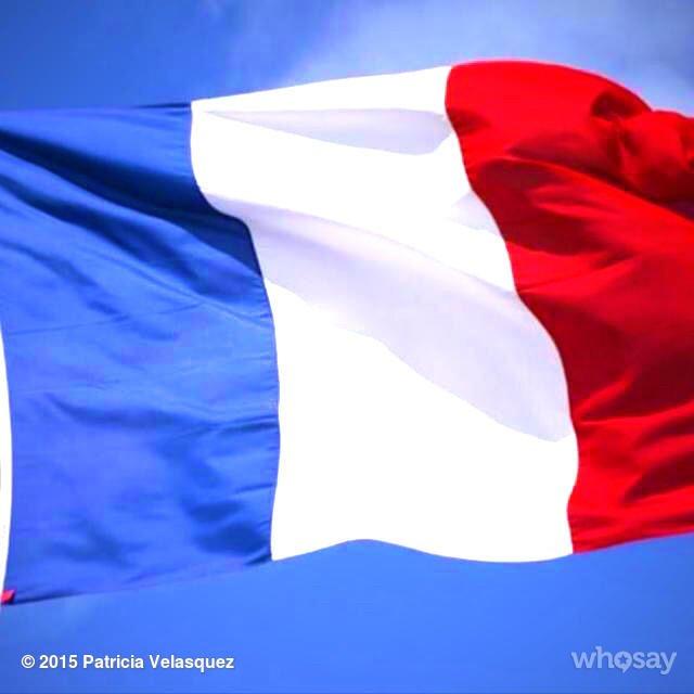 Le monde entier pense à vous. Toutes mes forces et mon cœur avec vous #France https://t.co/yUJKZK75Ze