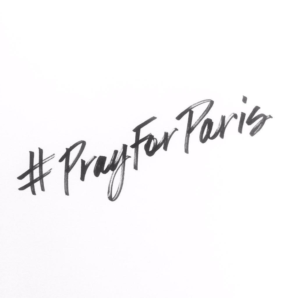 #PrayForParis https://t.co/65h4KwErAI