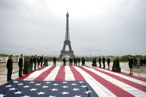 Paris after 9/11 https://t.co/T4sRuyBN38