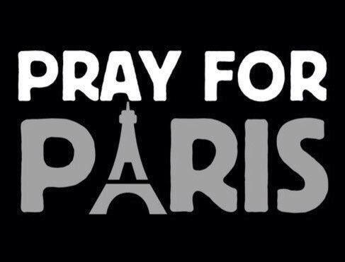 #PrayForParis https://t.co/1ihZOkSYj2