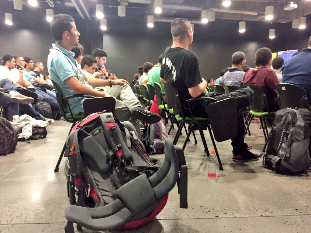 Los participantes del #SWMedellín pasarán 54 horas en nuestro edificio. 3 días para emprender #GSB2015 https://t.co/k7g29jSDPI