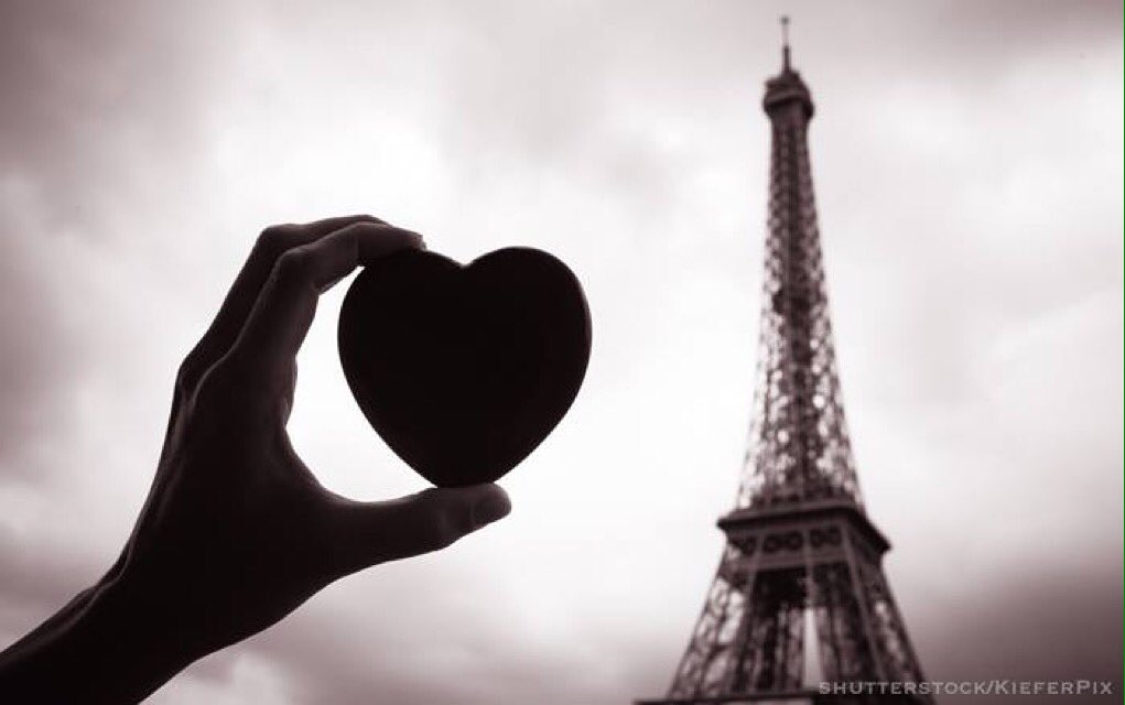 Our hearts are with #Paris #jesuisparis https://t.co/X05QqBIYz8