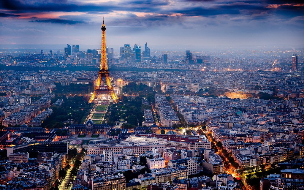 Tonight we all are in #Paris / Hoje todos estamos em Paris / Esta noche todos estamos en Paris. https://t.co/Q8oGJcnZVw