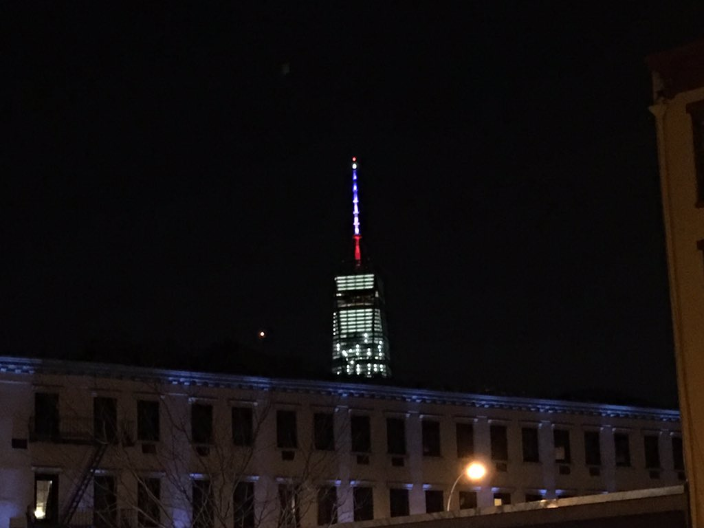 #WTC Spire in Lower Manhattan #NYC is blue, white and red tonight after attacks in Paris #prayforParis https://t.co/cITgVxPl0x
