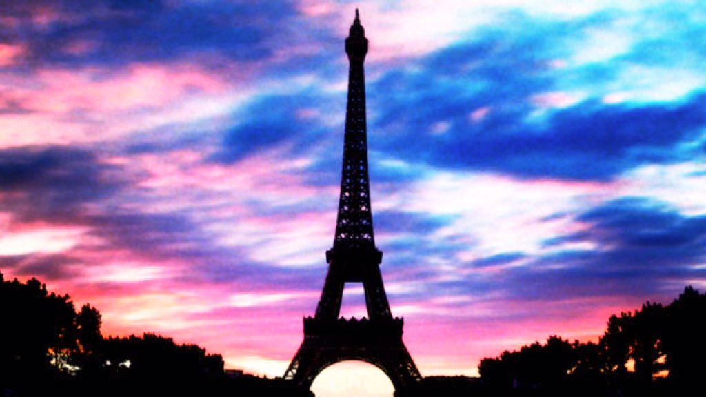 #PrayForParis https://t.co/CbKlnhcUAX