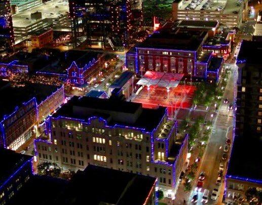 Fort Worth and @SundanceSquare also in French flag colors (Brian Luenser photo @DTFortWorth) https://t.co/8vcr6IlaOV