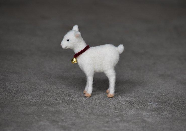 12月に子ヤギを作る羊毛フェルトのワークショップを開催します。 会場は吉祥寺のスタジオ207です。 是非いらしてください。 申し込みや詳細はホームページをご覧ください。 https://t.co/oazheBP3vV https://t.co/zJ8nbZNiPT