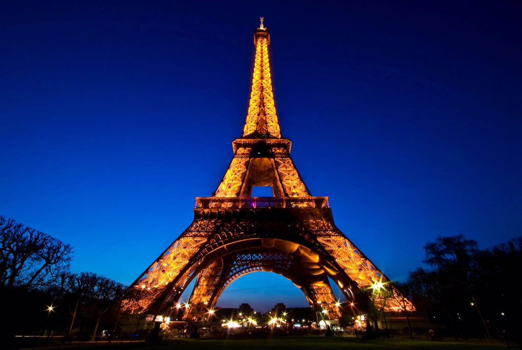 Our hearts and prayers go out to everyone in Paris. ♥️