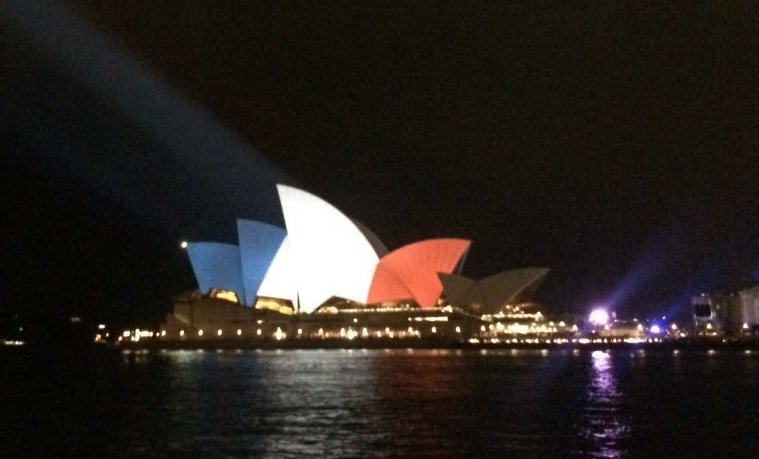 Sydney Opera House lit up in French colours (pic via @Tomharling) #ParisAttacks https://t.co/FwMKXywuS7