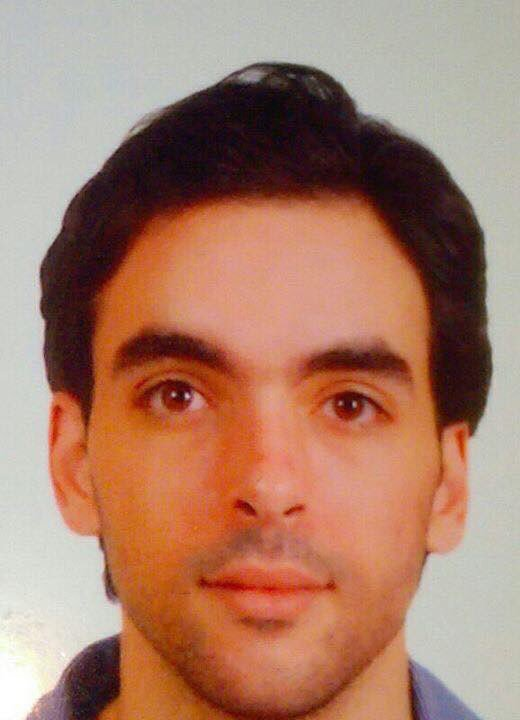Waleed Abdelrazik is missing since last night in Paris. Last contact was at the Football game! Plz spread the word! https://t.co/grKhuiUltd