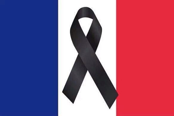 Nuestro + sentido pésame x todas las víctimas de los terribles atentados en París. #TodosSomosParís @france_espagne https://t.co/t9rSFWZwRP