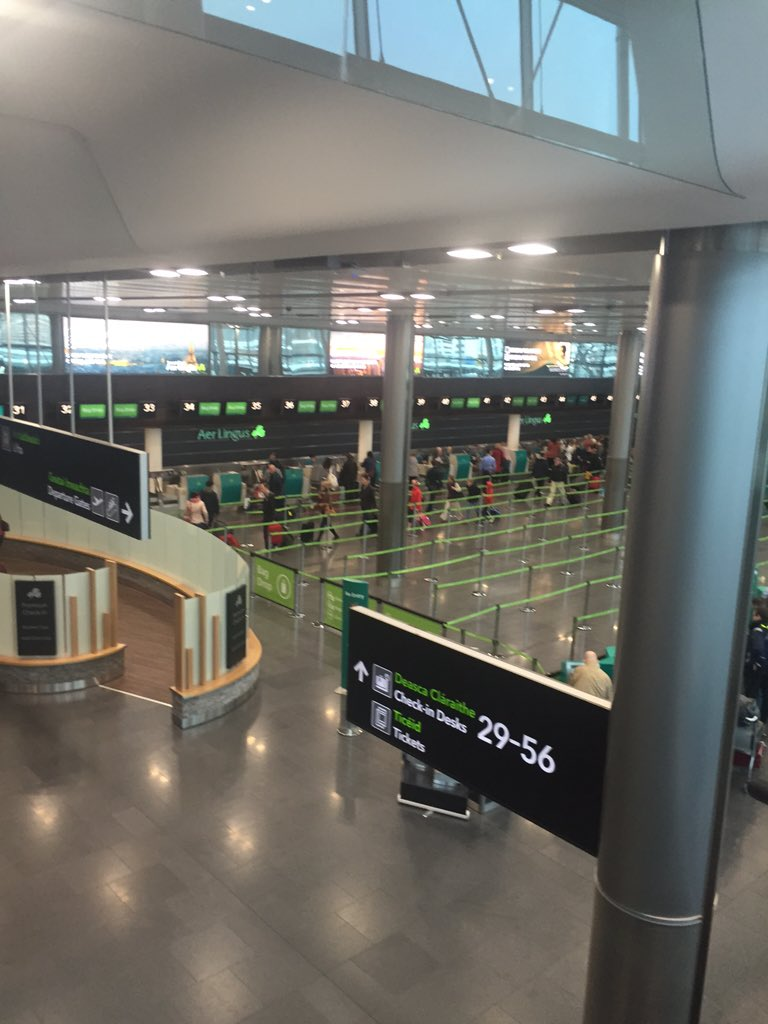 Half of @AerLingus passengers didn't fly to Paris this morning. Airline offering free exchange/refund for next 48hrs https://t.co/M7hx91WvWs