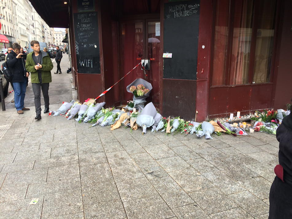 Flowers and messages outside Le Crillon hotel bar and Le Petit Cambodge where so many died #parisattacks https://t.co/0gEylHlX7k