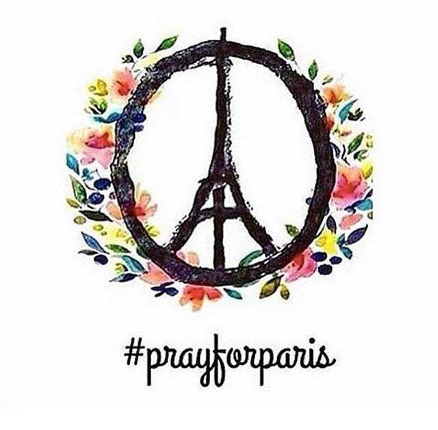 #prayforparis https://t.co/CaWIwIMMRt