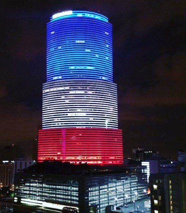 Miami in solidarity with #Paris: The Miami Tower was illuminated Friday night in the color… https://t.co/3GXWOyZLnR https://t.co/zsq8HU1DjA