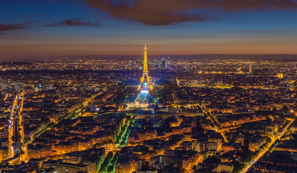 We are all Parisian. Our prayers are with the people of Paris. Nous sommes tous Parisienne. #prayforparis https://t.co/gmhVZMEaDl