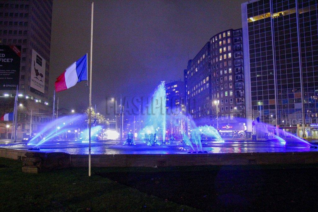 Rotterdam - Rotterdam steunt Parijs: https://t.co/kdahDkgbdi https://t.co/OdaObraAZS