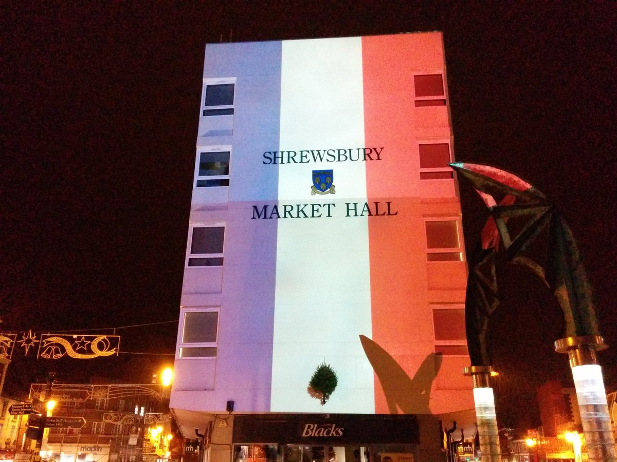 Shrewsbury pays tribute to victims of deadly attacks in Paris https://t.co/PBfjQ4XgBV #shropshire https://t.co/5jzaLzkAen