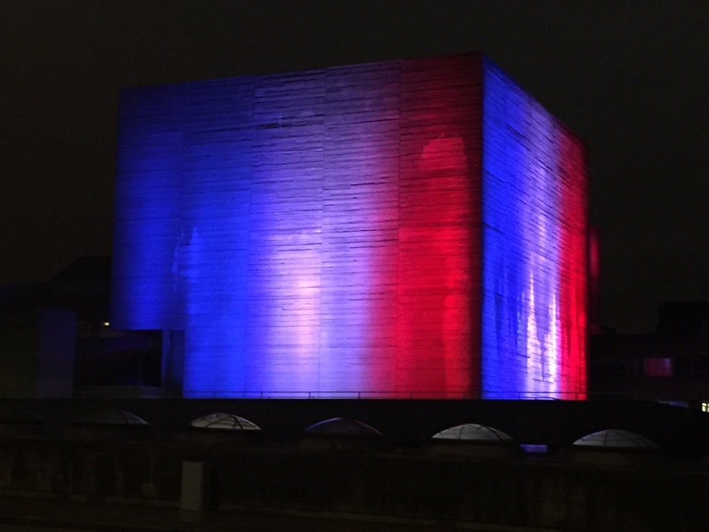 National theatre lit up in red white and blue https://t.co/ltCi9C24f8