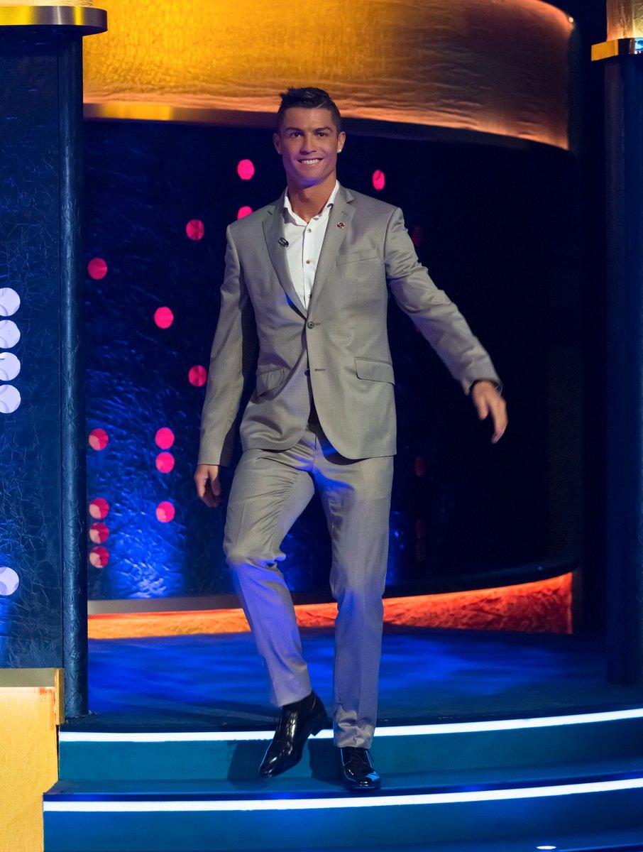 "RT @JRossShow: ""The greatest footballer on the planet!"" @Cristiano #CR7 #TheJRShow https://t.co/dgzkebRxzZ"